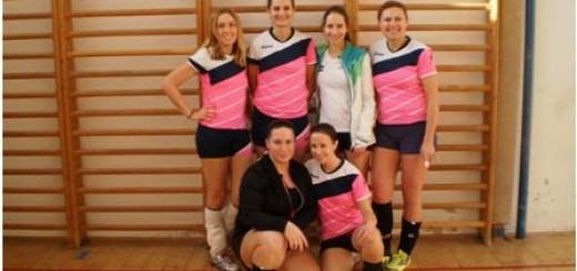 Žrací turnaj ve volejbale žen na Vltavě